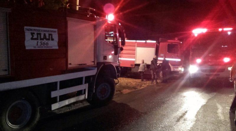 Ο ΣΠΑΠ με εθελοντές και οχήματα στην προσπάθεια κατάσβεσης πυρκαγιάς που εκδηλώθηκε στο Κτήμα Βορρέ στο Μαρούσι
