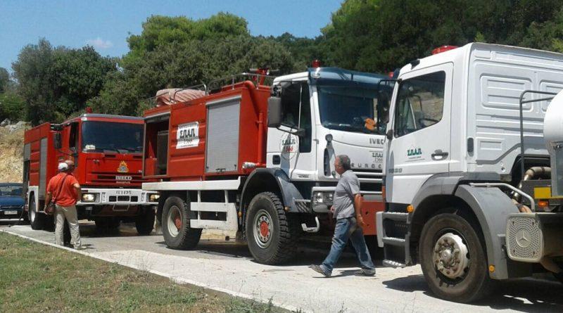 O Σ.Π.Α.Π. με εθελοντές και οχήματα στην κατάσβεση πυρκαγιάς στο Γέρακα
