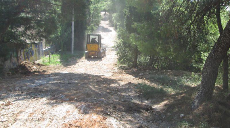 Ο Σ.Π.Α.Π. αποκαθιστά τη βατότητα των εσωτερικών δρόμων του Δάσους Συγγρού